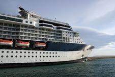 Free Big Cruise Royalty Free Stock Photography - 16946627