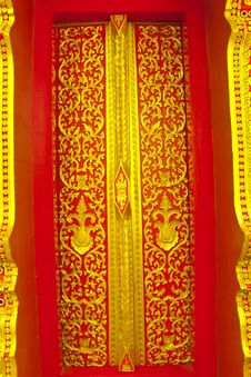 Free Thai Style Carving Door Royalty Free Stock Photography - 16948047