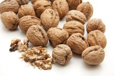 Free Walnuts Cracked Royalty Free Stock Photo - 16949025