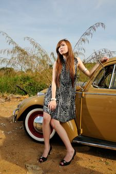 Free Girl And Car Royalty Free Stock Photography - 16951447