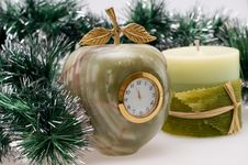 Free Desktop Clock And Candle Royalty Free Stock Photo - 16951735