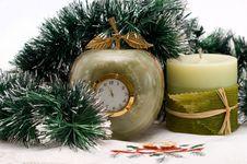 Free Desktop Clock And Candle Royalty Free Stock Photos - 16951818