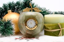 Free Desktop Clock And Candle Stock Images - 16951934