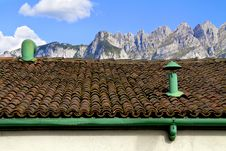 Free Roof Royalty Free Stock Photo - 16954515