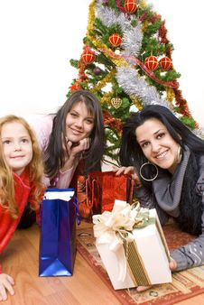Free Three Young Happy Womenwhit Gift Box Stock Photography - 16956702
