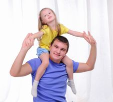 Free Young Father Has Fun With His Daughter Royalty Free Stock Images - 16961989