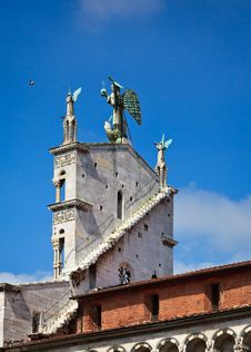 Free Church Facade In Lucca Royalty Free Stock Images - 16963039