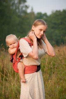 Mother Walk With Daughter Through Park At Sunset Royalty Free Stock Photos