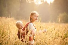 Free Mother And Daughter Royalty Free Stock Images - 16964559