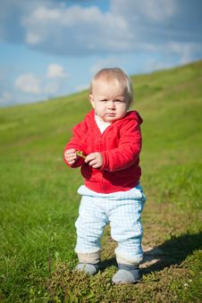 Free Adorable Baby Walking Bay Road On Hill Stock Photos - 16964863