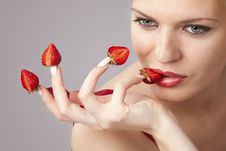 Free Woman With Red Strawberries Picked On Fingertips Royalty Free Stock Photography - 16967547