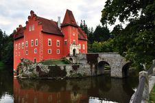 Free Romantic Red Chateau Royalty Free Stock Photos - 16974368