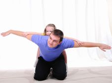 Free Young Father Has Fun With His Daughter Royalty Free Stock Photos - 16974648