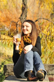 Free Woman Drinking Coffee Royalty Free Stock Images - 16976059