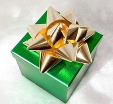 Green Gift Box With Gold Bow Royalty Free Stock Photography