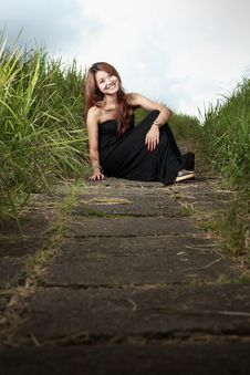 Free Young Attractive Woman In Meadow Royalty Free Stock Photography - 16979517