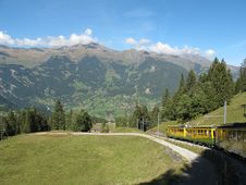 Free Cog-wheel Train With Landscape To Jungfraujoch Royalty Free Stock Images - 16981299