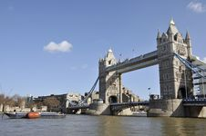 Free Tower Bridge And The City Of London Royalty Free Stock Images - 16981589