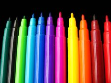 Free Colorful Sketch Pens Background Royalty Free Stock Image - 16981796