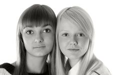Free Portrait Two Girls Royalty Free Stock Image - 16987116