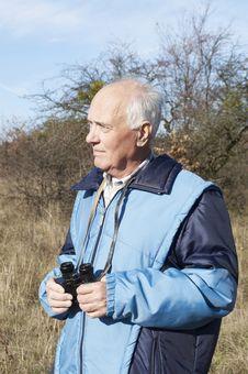 Free Senior Man In The Autumn Nature Royalty Free Stock Photos - 16988928