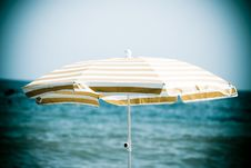 Free Beach Umbrella Stock Images - 16993604