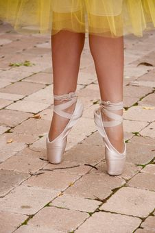 Free Ballet Toe Shoes Royalty Free Stock Image - 16994496