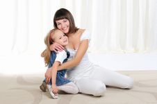 Free Young Mother And Her Young Daughter Stock Images - 16995114