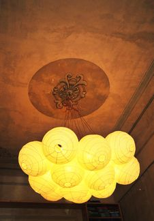 Free Paper Chandelier Royalty Free Stock Photo - 16995295