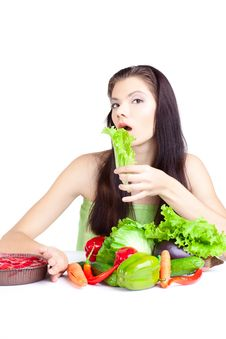 Free Young Girl With  Vegetables Royalty Free Stock Images - 16996689