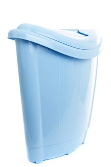 Free Empty Recycling Bin On White Royalty Free Stock Photography - 16998817