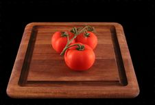 Free Tomatoes On Cutting Board Royalty Free Stock Image - 177996