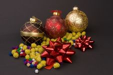 Free Christmas Balls Stock Images - 1707744