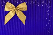 Free Gold Bow. Stock Images - 17002564