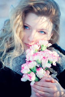 Free Beautiful Young Girl In Winter Day Wiht Flowers Stock Images - 17002924