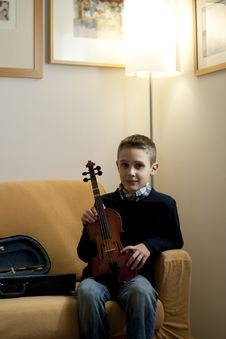 Free Young Boy With Violin Stock Photo - 17006920