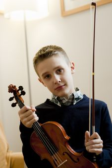 Free Young Boy With His Violin Stock Photos - 17007153