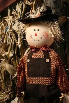 Free Happy Scarecrow Royalty Free Stock Images - 17012539