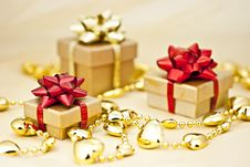 Free Golden Heart Chain. Royalty Free Stock Photo - 17013545