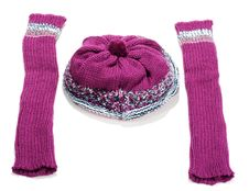 Free Violet Knitted Winter Hat And Sleeve Covers Royalty Free Stock Image - 17017296