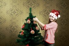 Free Decorating A Tree Stock Photography - 17017722