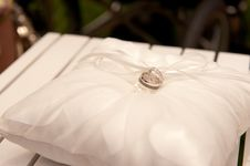 Free Weddding Ring On Pillow Royalty Free Stock Photo - 17022655
