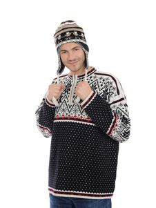 Free Handsome Casual Man In Winter Hat And Warm Clothes Royalty Free Stock Image - 17024336
