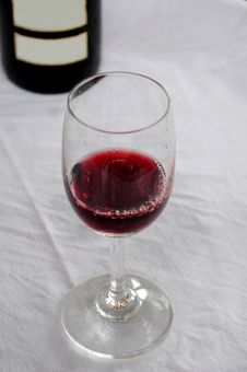 Free Red Wine Royalty Free Stock Photo - 17024435