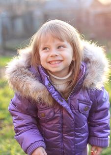 Free Beautiful Little Girl Laughing Royalty Free Stock Photography - 17026797