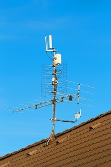 Free Television Antenna On The Roof Stock Photo - 17026870