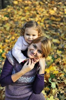 Free Mom And Daughter Royalty Free Stock Photo - 17027715