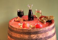 Free Red And White Wine Stock Image - 17028681