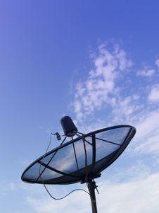 Free A Dish Takes Artificial Satellite Signal Stock Photos - 17031463