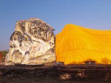 Free Reclining Buddha Image  Wat Lokkaya Royalty Free Stock Image - 17032296